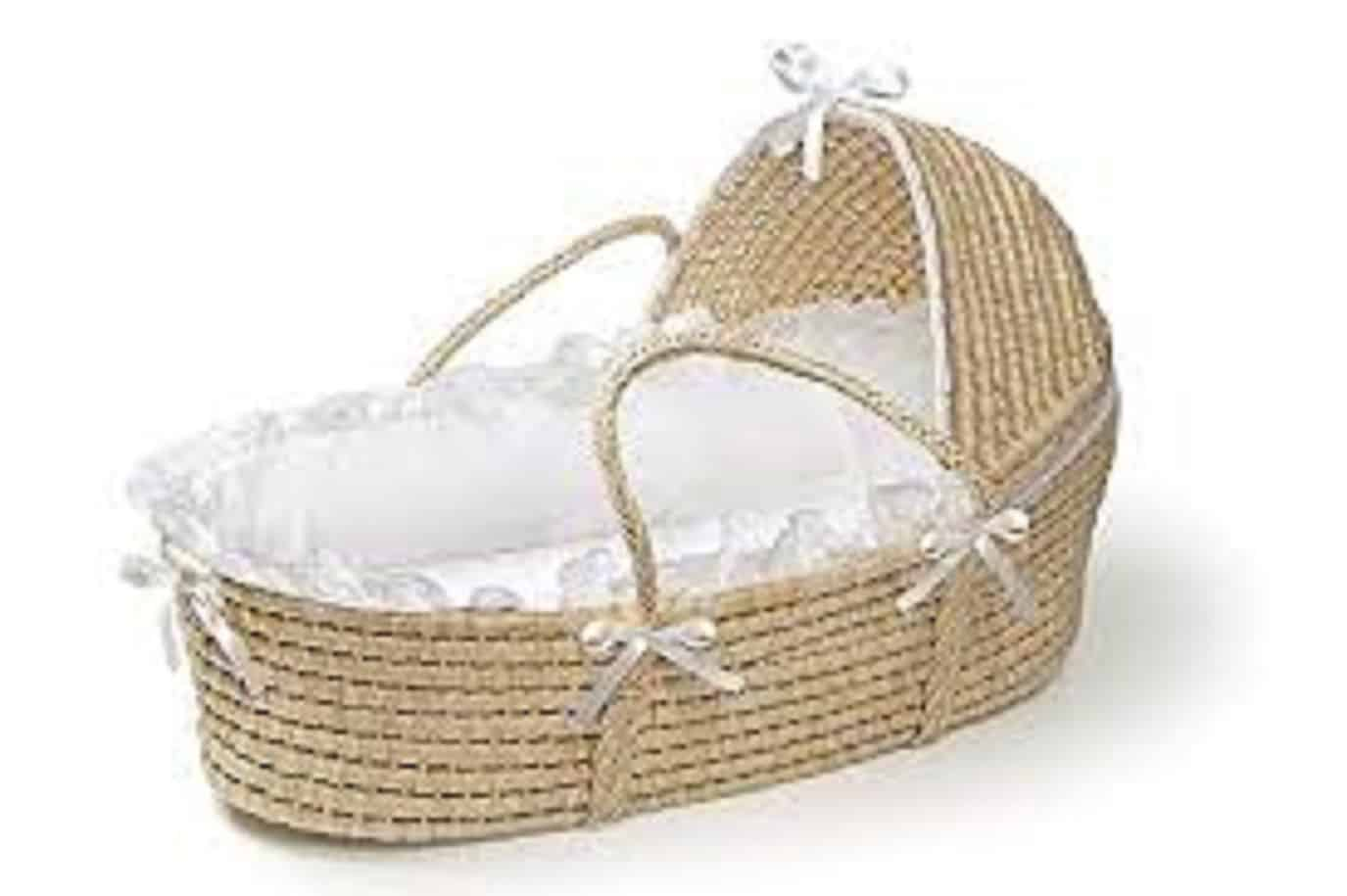 moses-basket-or-crib-whats-best-for-your-baby